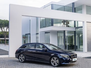 Mercedes-Benz-CLA-Shooting-Brake-180d-Urban-Auto _ Novo